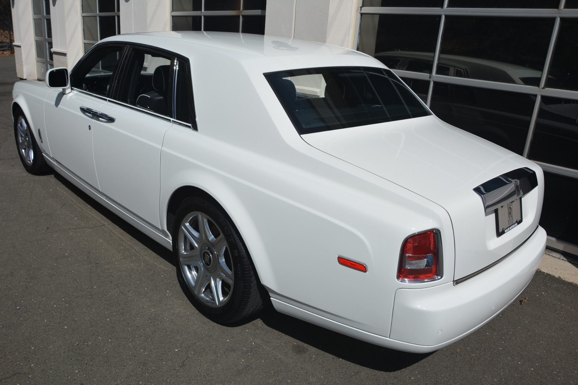 Used 2014 Rolls-Royce Phantom  For Sale In Greenwich, CT 2998_p5