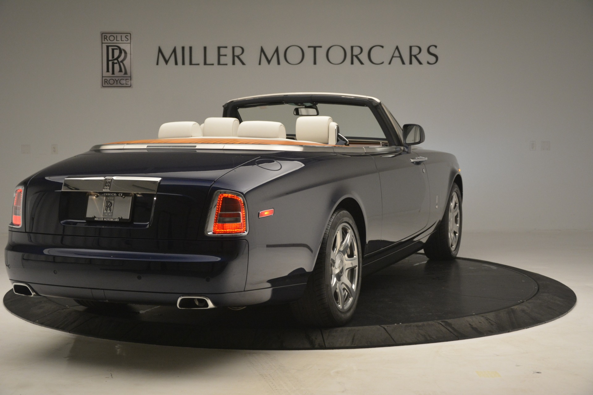 Used 2013 Rolls-Royce Phantom Drophead Coupe  For Sale In Greenwich, CT 2999_p11