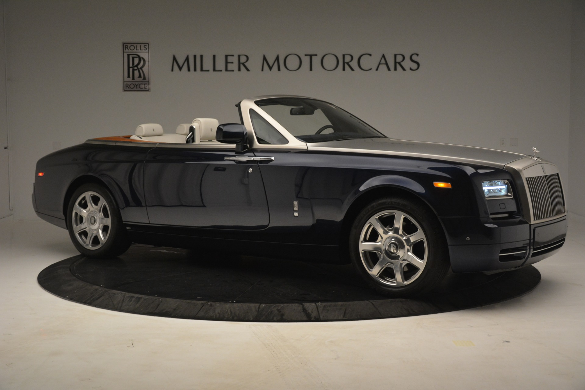 Used 2013 Rolls-Royce Phantom Drophead Coupe  For Sale In Greenwich, CT 2999_p13