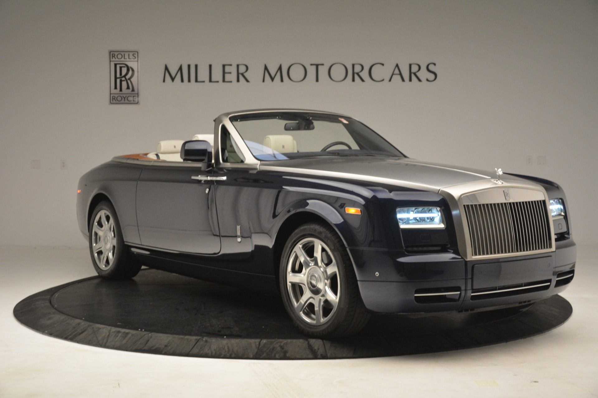 Used 2013 Rolls-Royce Phantom Drophead Coupe  For Sale In Greenwich, CT 2999_p14