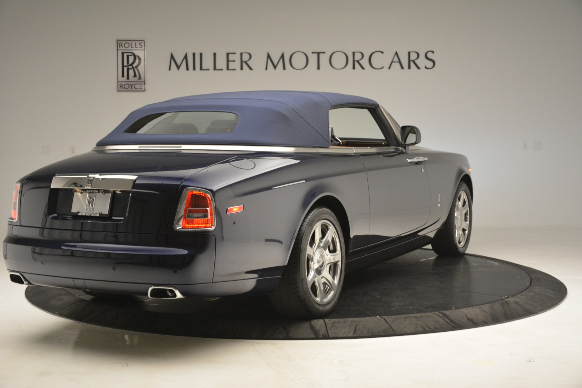 Used 2013 Rolls-Royce Phantom Drophead Coupe  For Sale In Greenwich, CT 2999_p24
