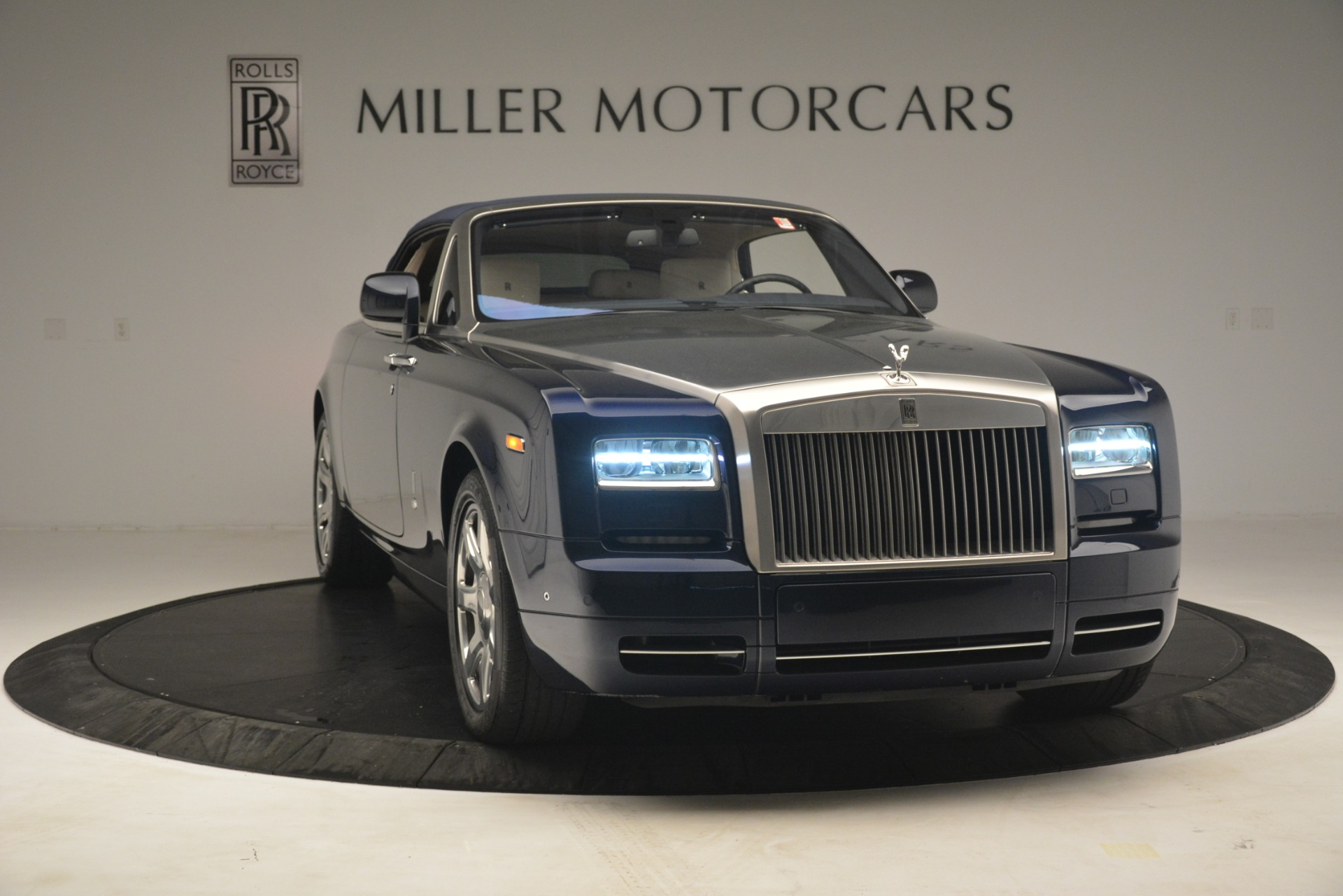 Used 2013 Rolls-Royce Phantom Drophead Coupe  For Sale In Greenwich, CT 2999_p28