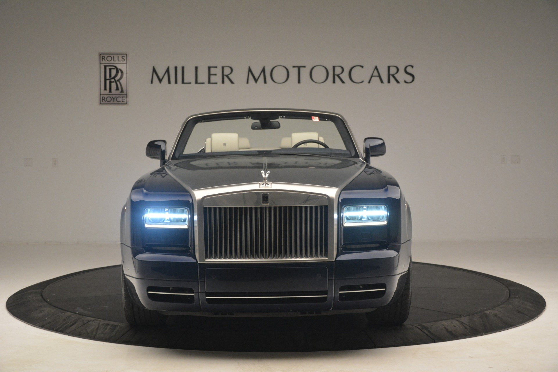 Used 2013 Rolls-Royce Phantom Drophead Coupe  For Sale In Greenwich, CT 2999_p2