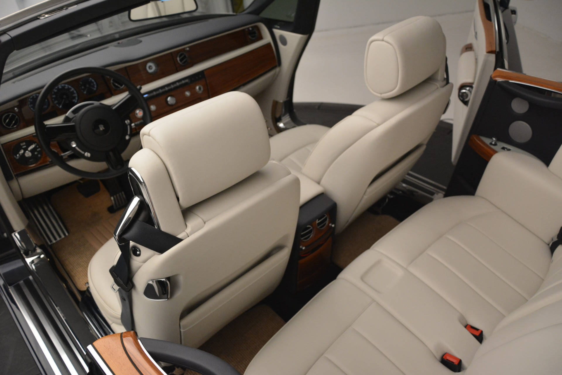Used 2013 Rolls-Royce Phantom Drophead Coupe  For Sale In Greenwich, CT 2999_p31