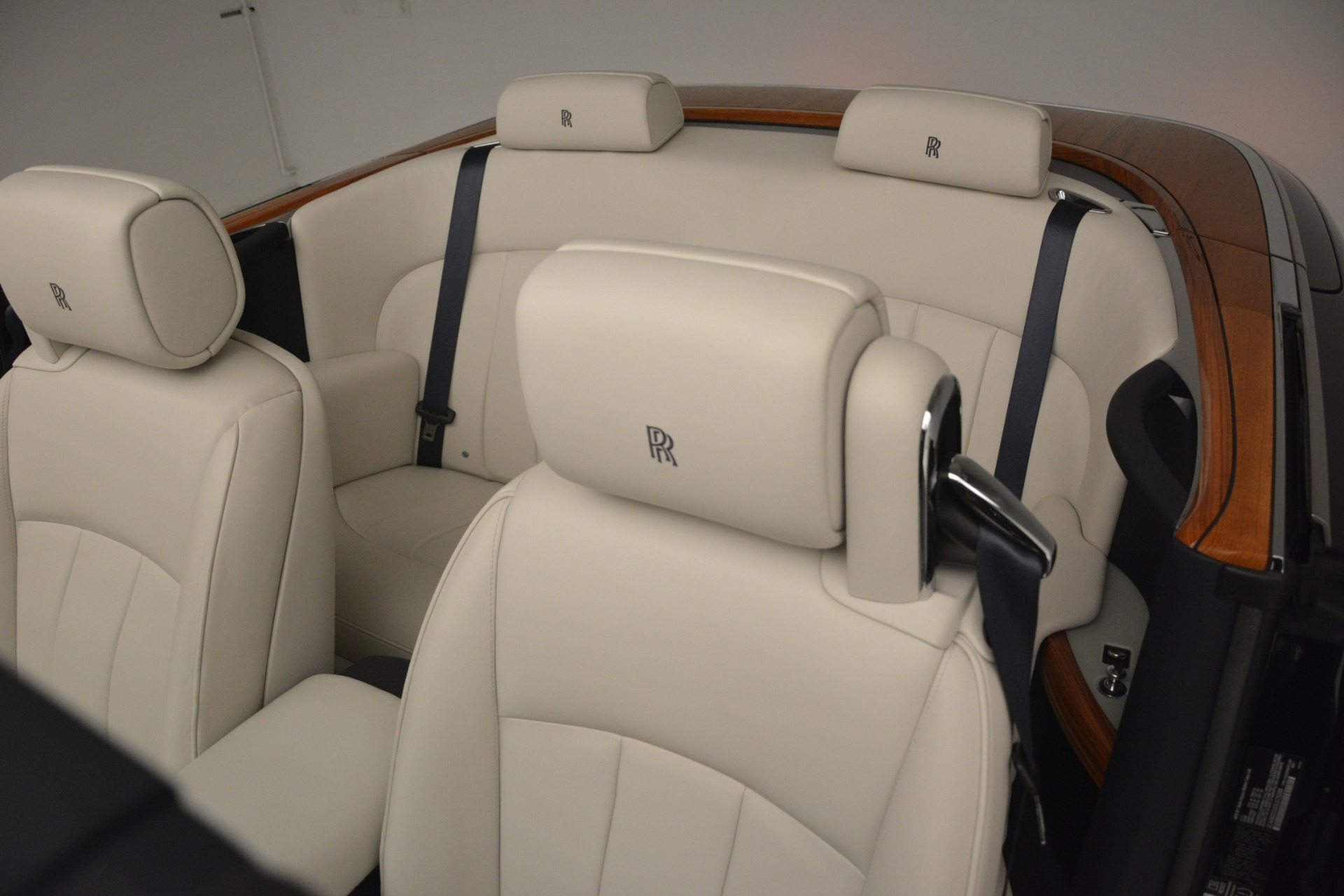 Used 2013 Rolls-Royce Phantom Drophead Coupe  For Sale In Greenwich, CT 2999_p32