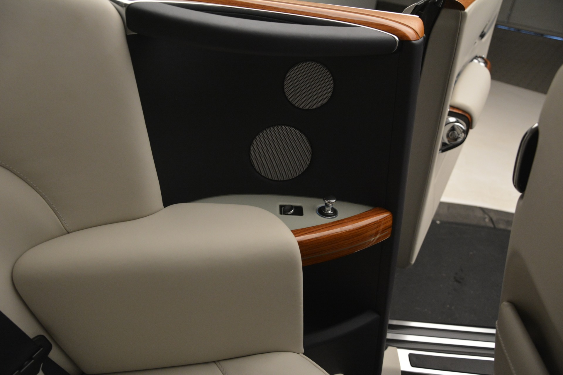 Used 2013 Rolls-Royce Phantom Drophead Coupe  For Sale In Greenwich, CT 2999_p44