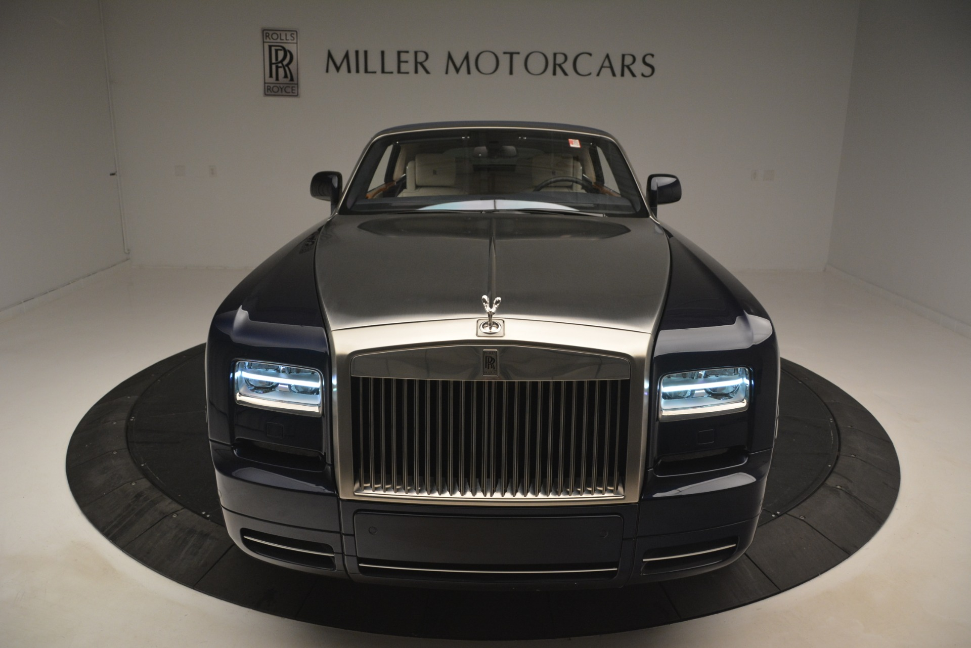 Used 2013 Rolls-Royce Phantom Drophead Coupe  For Sale In Greenwich, CT 2999_p57