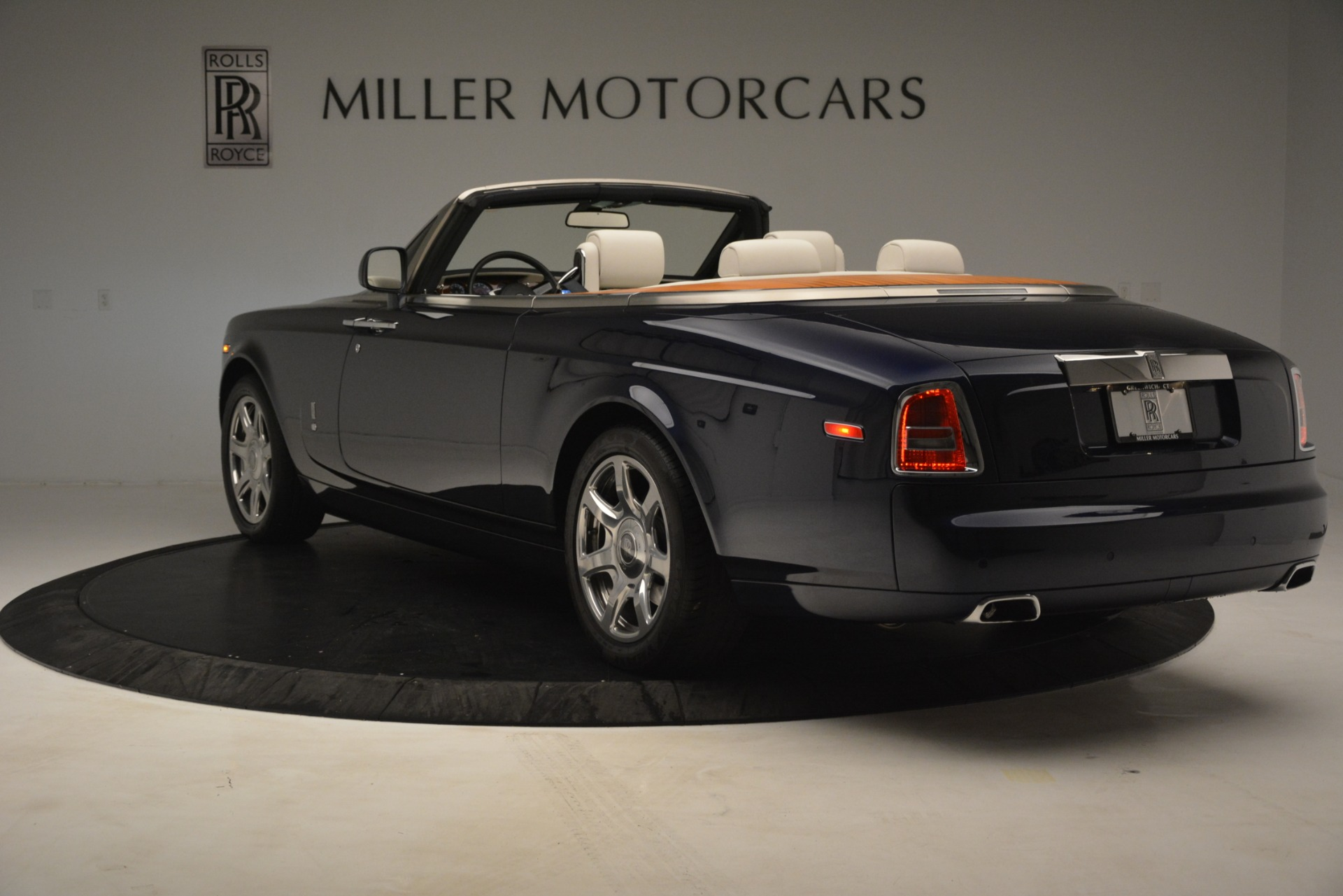 Used 2013 Rolls-Royce Phantom Drophead Coupe  For Sale In Greenwich, CT 2999_p8