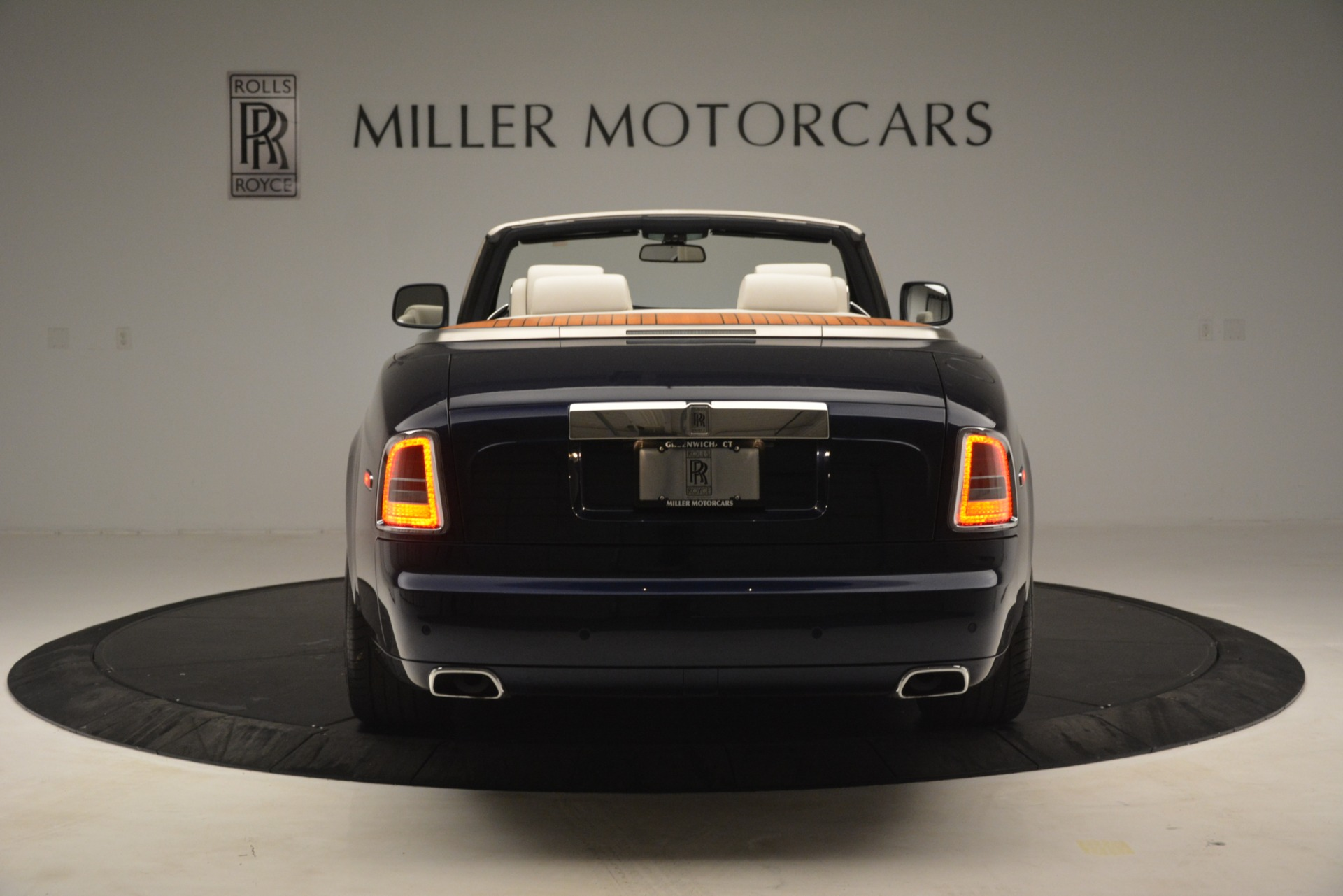 Used 2013 Rolls-Royce Phantom Drophead Coupe  For Sale In Greenwich, CT 2999_p9