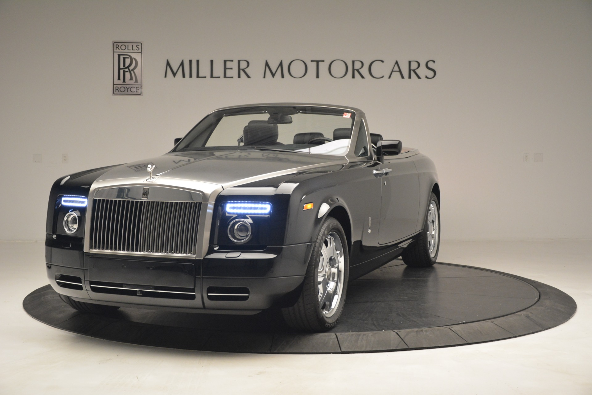 Used 2008 Rolls-Royce Phantom Drophead Coupe  For Sale In Greenwich, CT