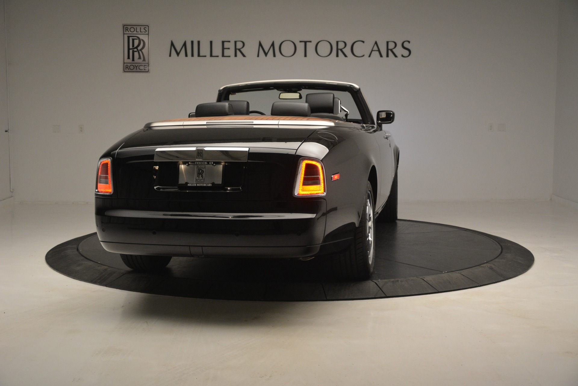 Used 2008 Rolls-Royce Phantom Drophead Coupe  For Sale In Greenwich, CT 3000_p10
