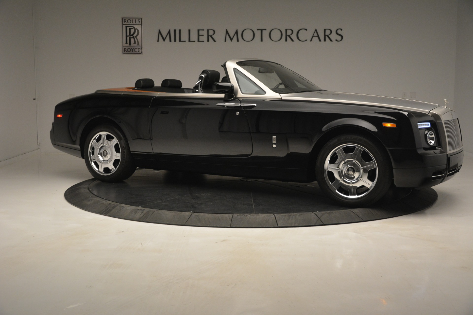 Used 2008 Rolls-Royce Phantom Drophead Coupe  For Sale In Greenwich, CT 3000_p14