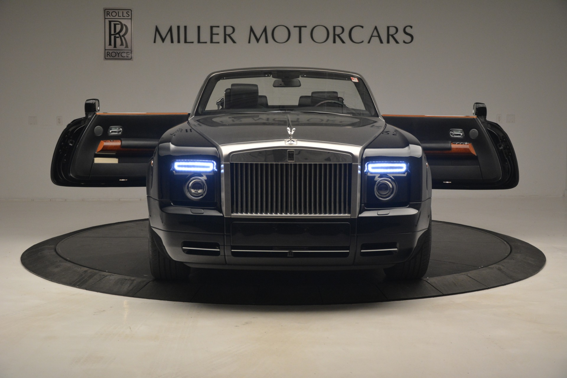 Used 2008 Rolls-Royce Phantom Drophead Coupe  For Sale In Greenwich, CT 3000_p17