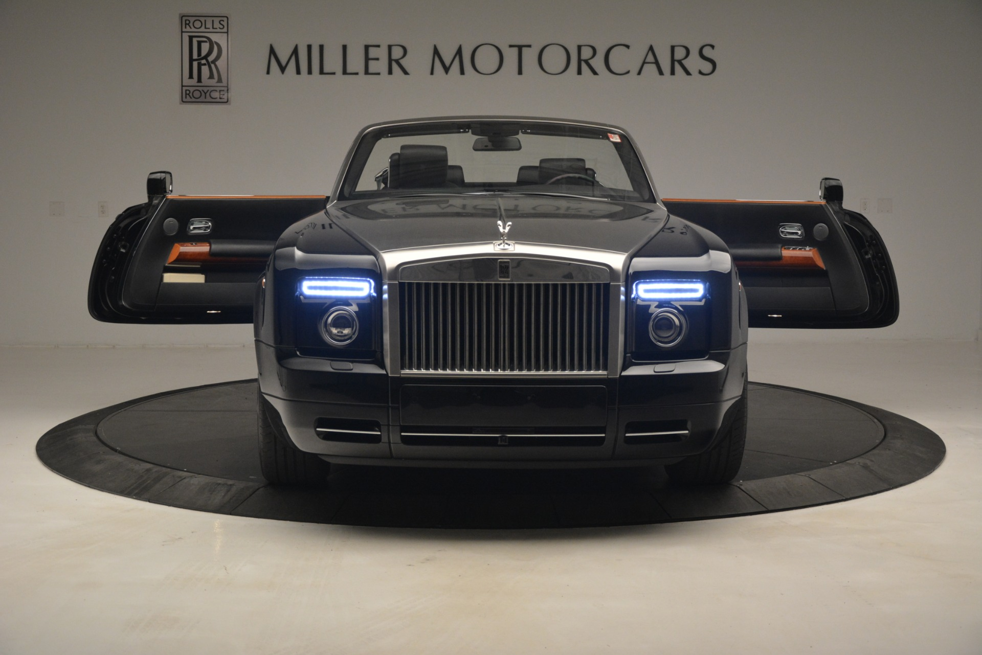 Used 2008 Rolls-Royce Phantom Drophead Coupe  For Sale In Greenwich, CT 3000_p18