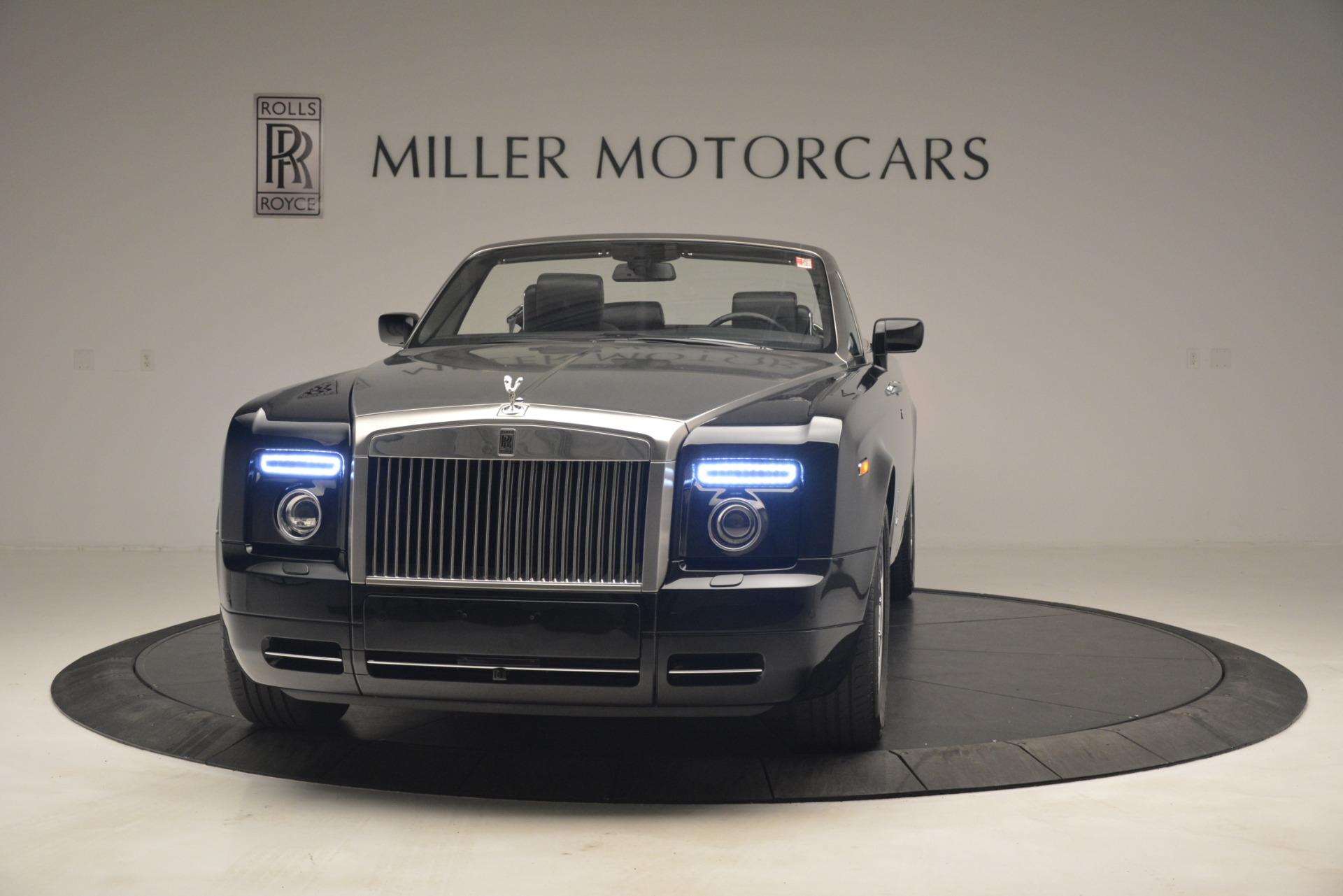 Used 2008 Rolls-Royce Phantom Drophead Coupe  For Sale In Greenwich, CT 3000_p2