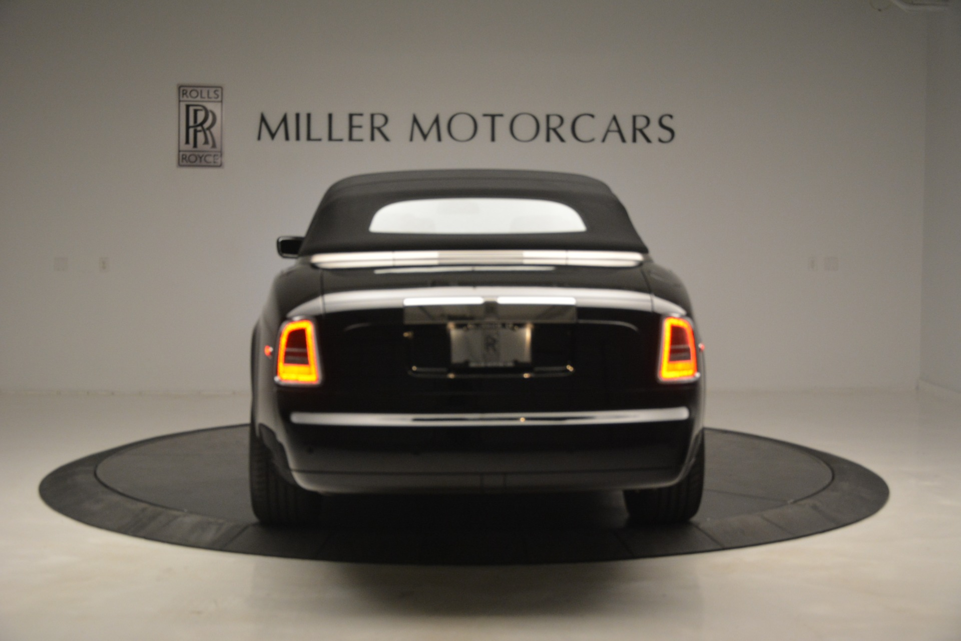 Used 2008 Rolls-Royce Phantom Drophead Coupe  For Sale In Greenwich, CT 3000_p37