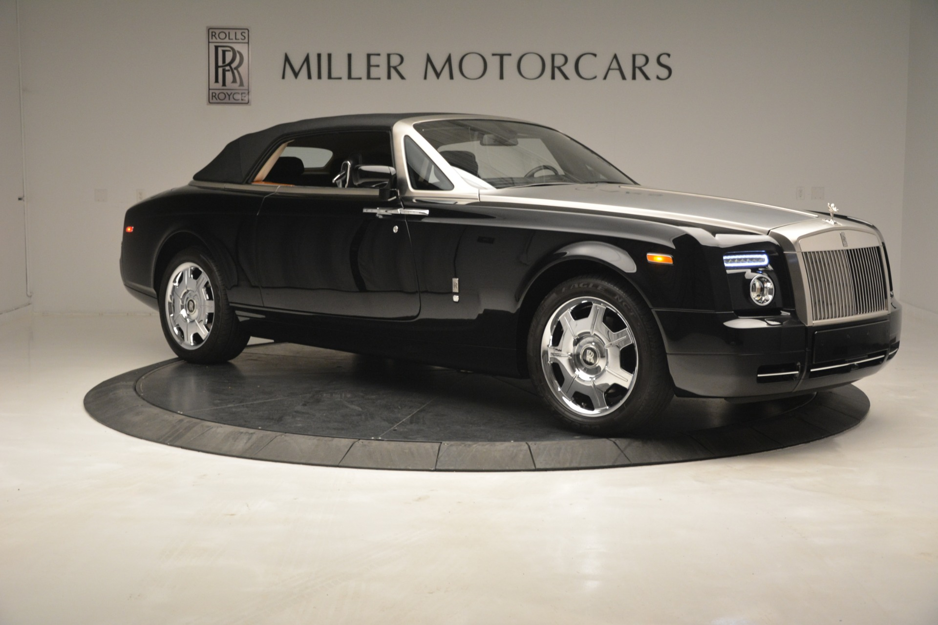 Used 2008 Rolls-Royce Phantom Drophead Coupe  For Sale In Greenwich, CT 3000_p40