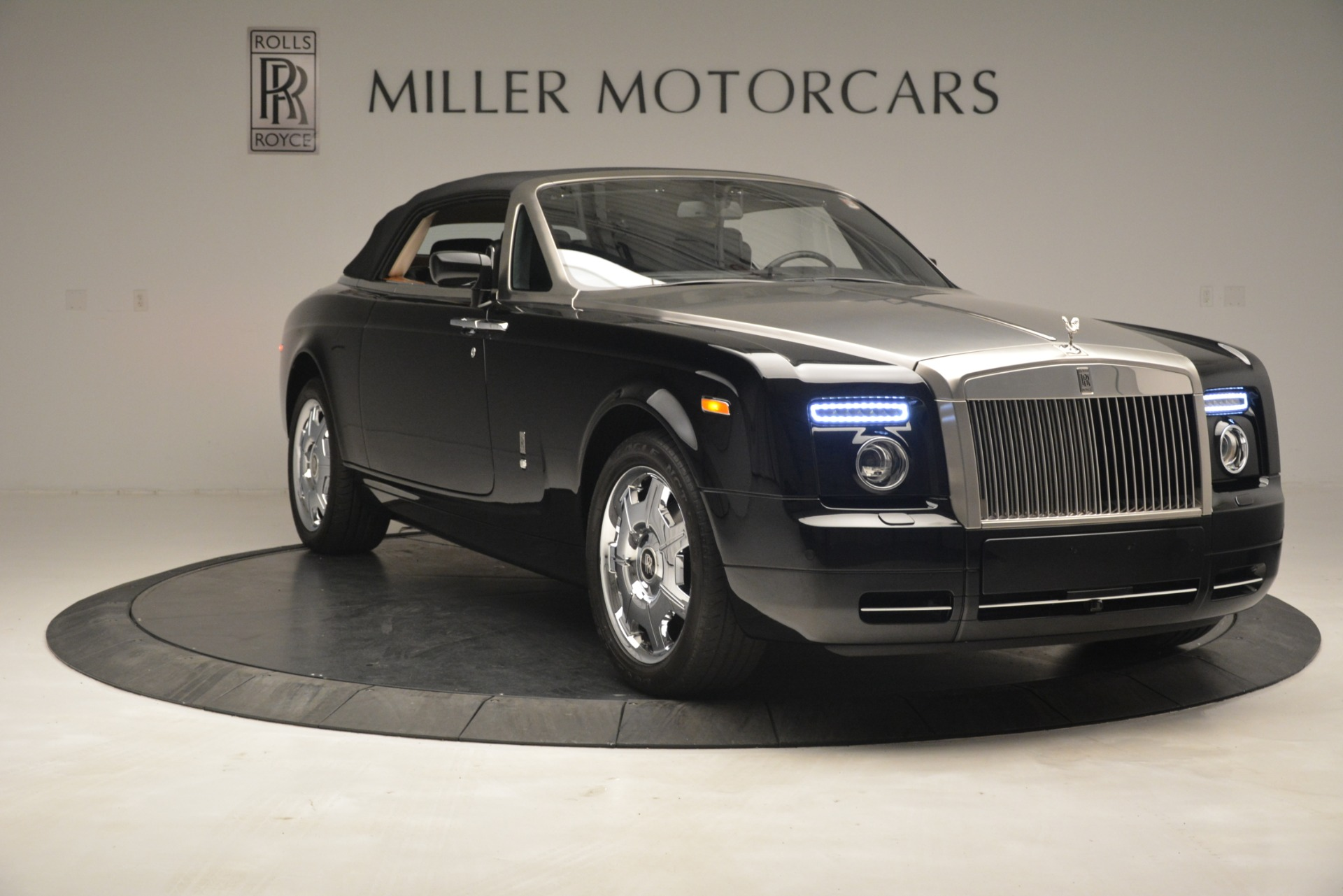 Used 2008 Rolls-Royce Phantom Drophead Coupe  For Sale In Greenwich, CT 3000_p42
