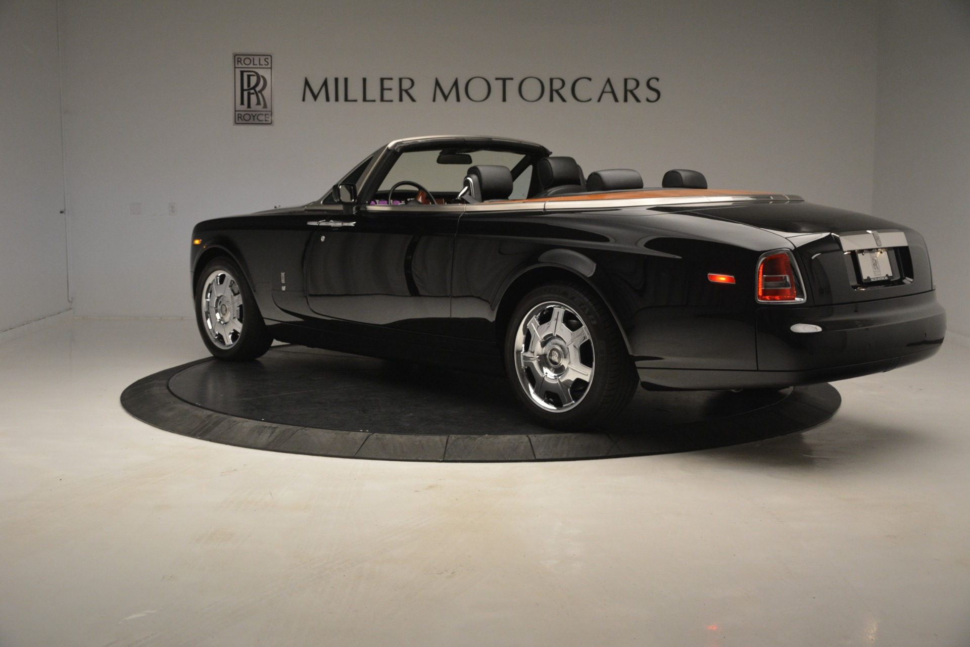 Used 2008 Rolls-Royce Phantom Drophead Coupe  For Sale In Greenwich, CT 3000_p7