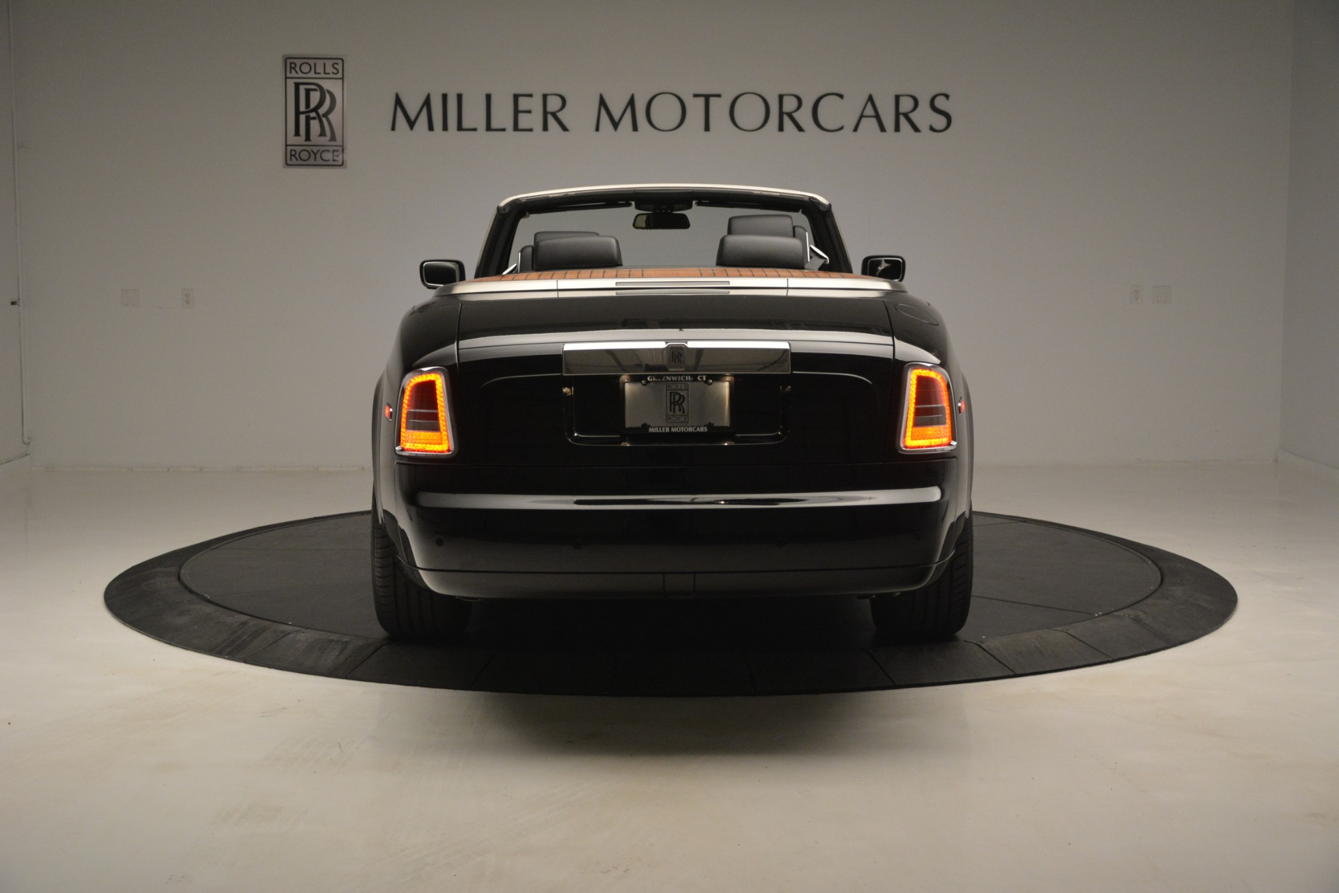 Used 2008 Rolls-Royce Phantom Drophead Coupe  For Sale In Greenwich, CT 3000_p9