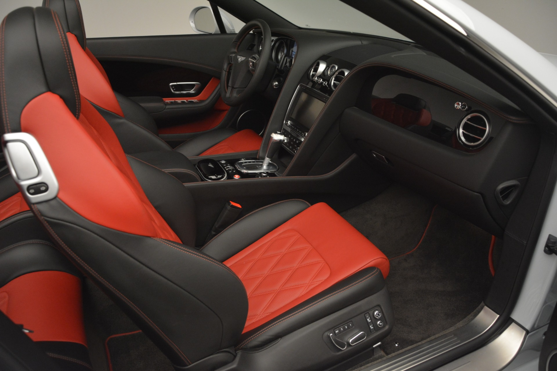 Used 2014 Bentley Continental GT V8 S For Sale In Greenwich, CT 3011_p32
