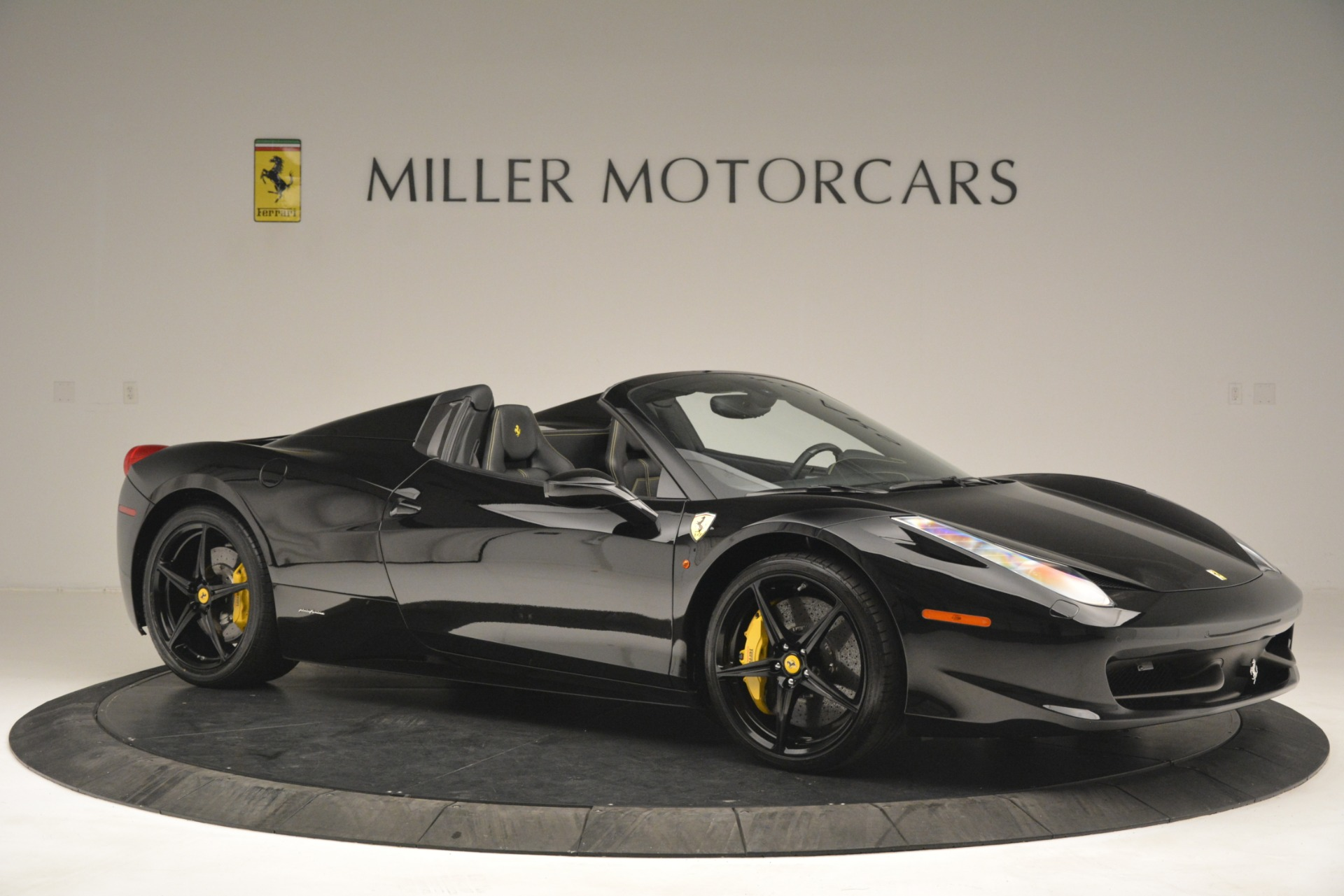 Used 2013 Ferrari 458 Spider  For Sale In Greenwich, CT 3024_p10