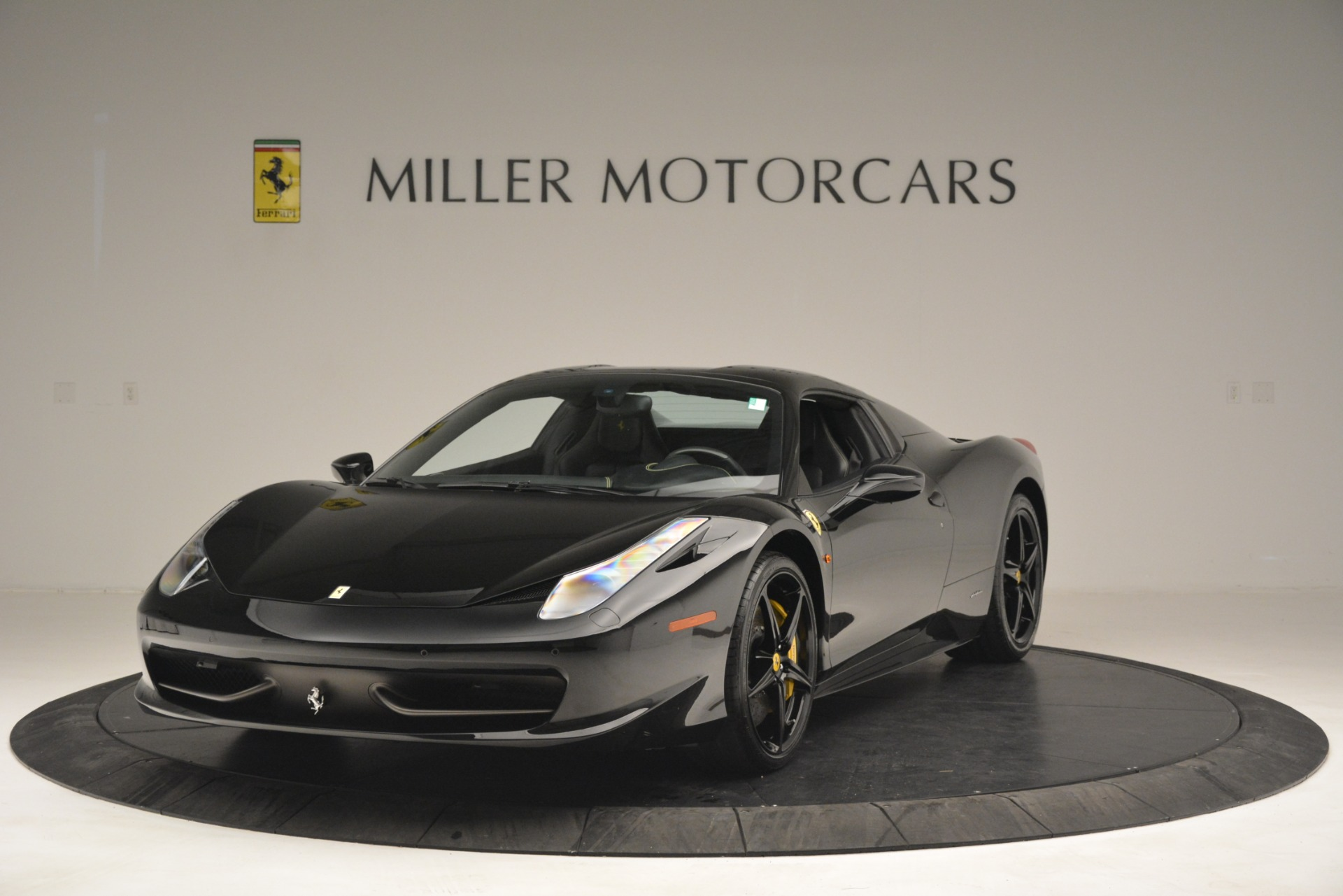 Used 2013 Ferrari 458 Spider  For Sale In Greenwich, CT 3024_p13