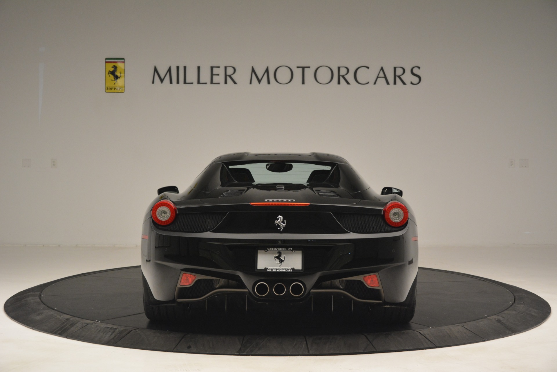 Used 2013 Ferrari 458 Spider  For Sale In Greenwich, CT 3024_p18