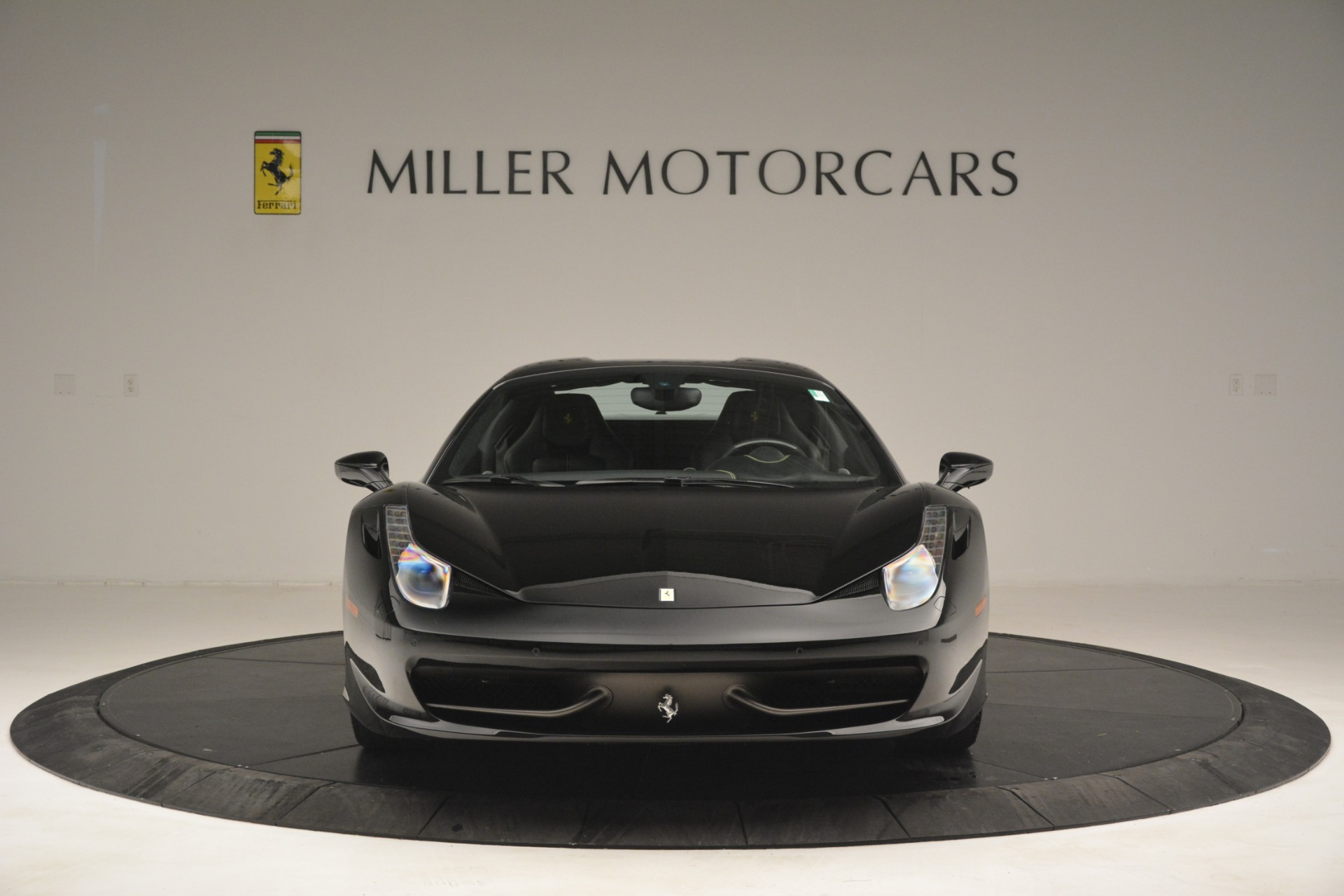 Used 2013 Ferrari 458 Spider  For Sale In Greenwich, CT 3024_p24