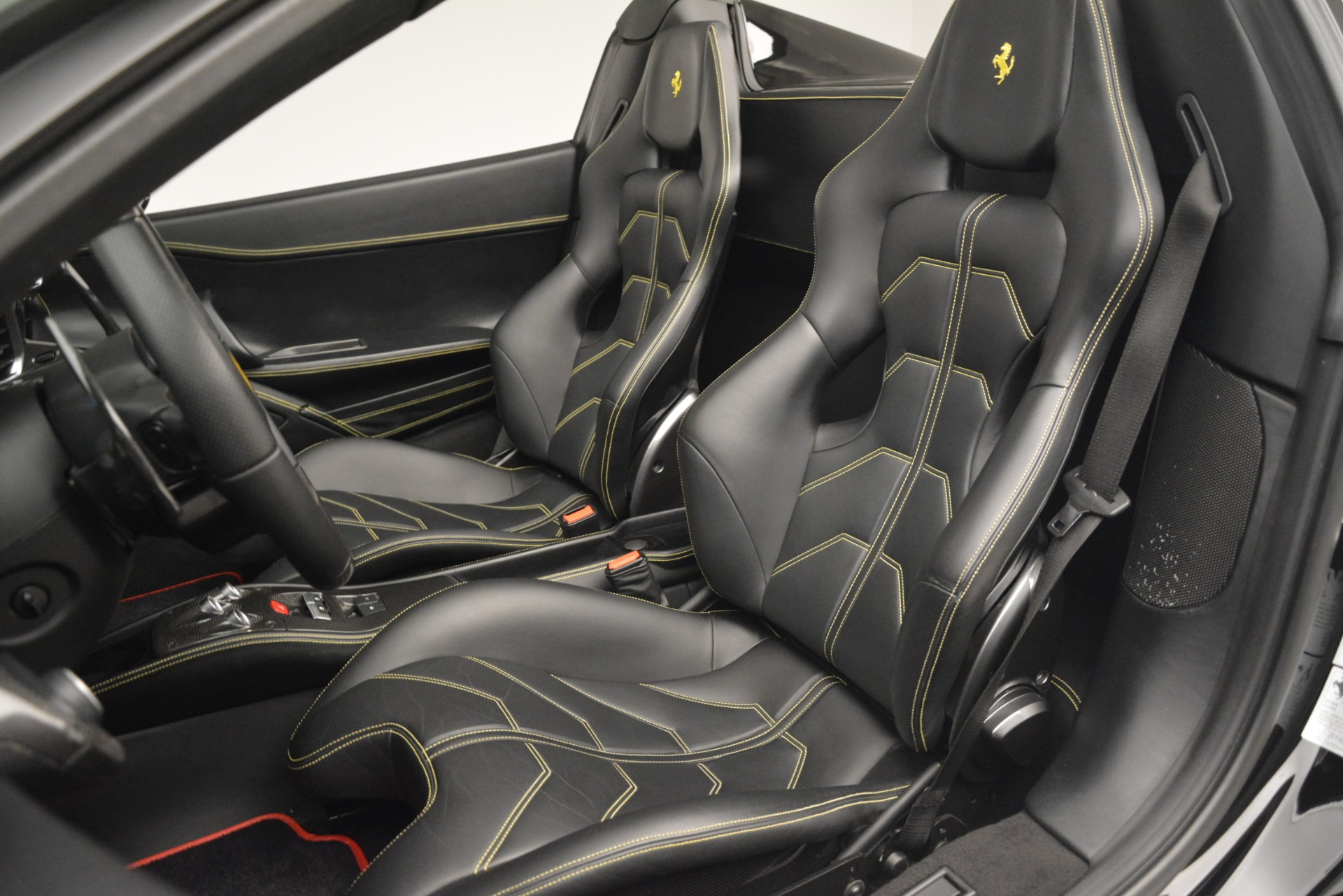Used 2013 Ferrari 458 Spider  For Sale In Greenwich, CT 3024_p27