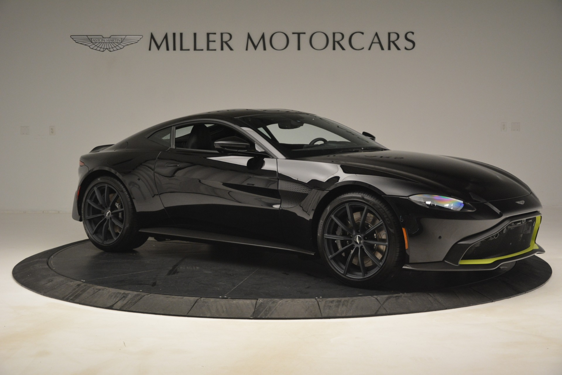 New 2019 Aston Martin Vantage Coupe For Sale In Greenwich, CT 3030_p11