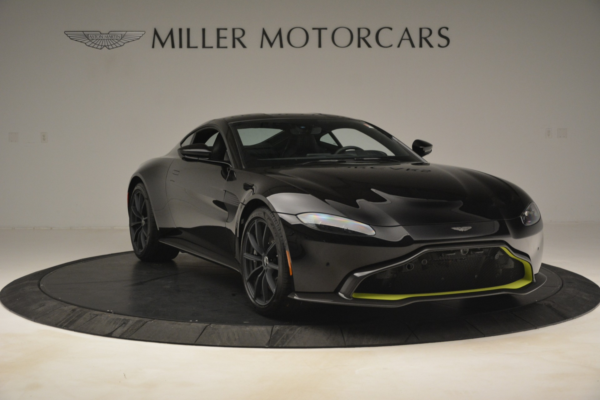 New 2019 Aston Martin Vantage Coupe For Sale In Greenwich, CT 3030_p12