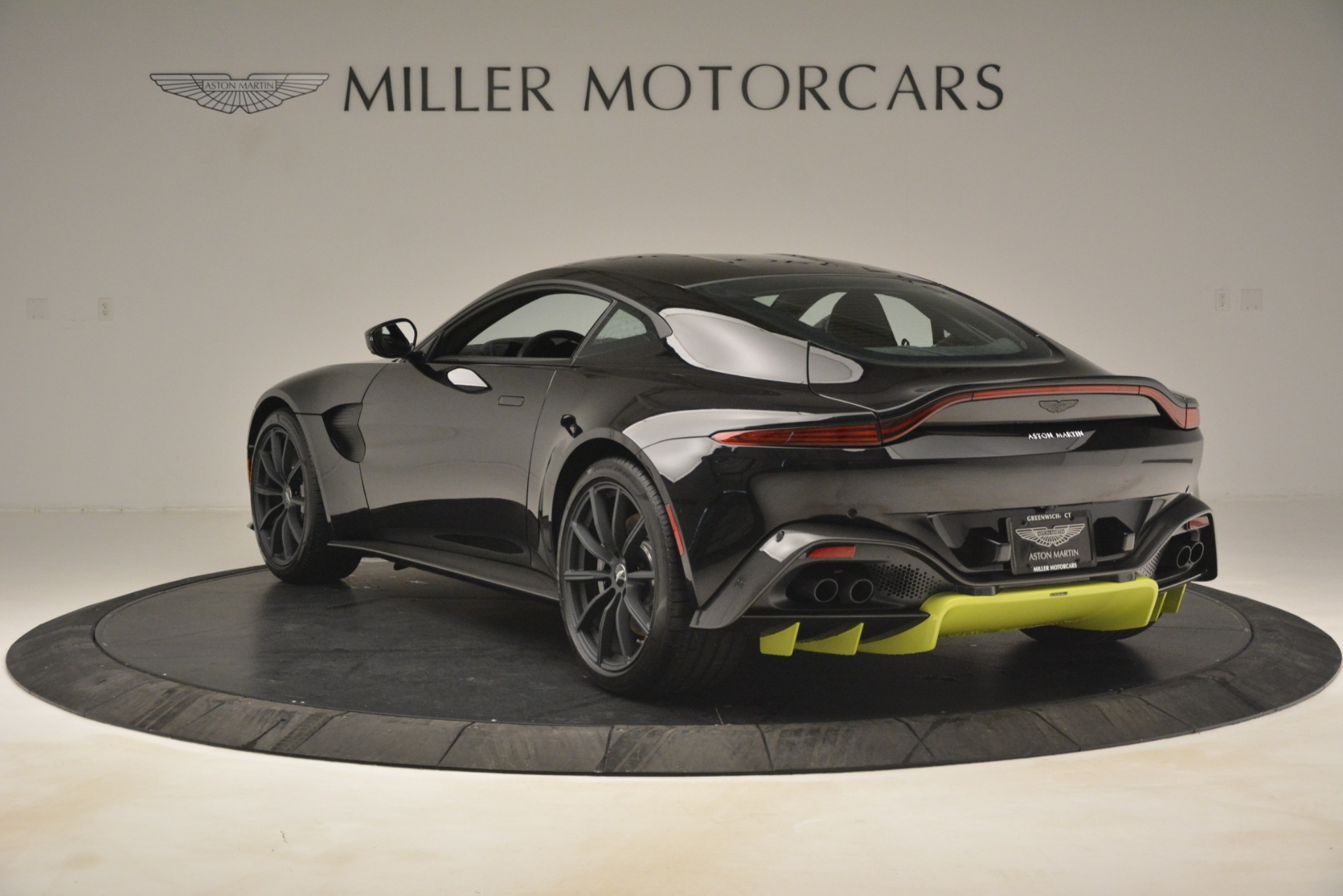 New 2019 Aston Martin Vantage Coupe For Sale In Greenwich, CT 3030_p6