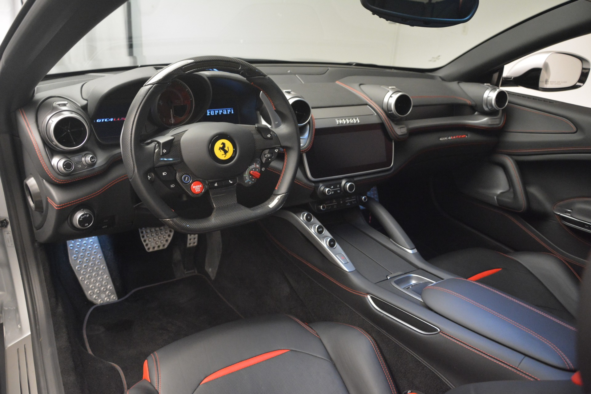 Used 2018 Ferrari GTC4LussoT V8 For Sale In Greenwich, CT 3031_p13