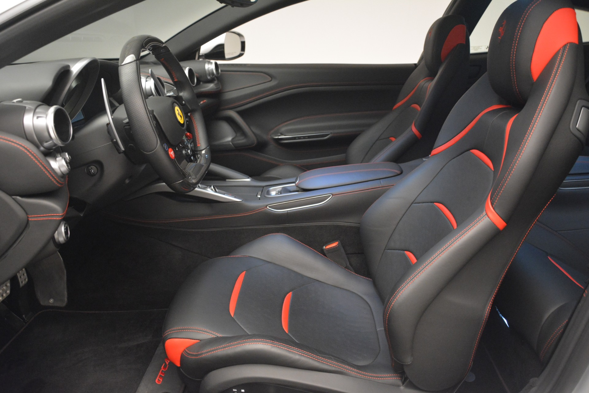 Used 2018 Ferrari GTC4LussoT V8 For Sale In Greenwich, CT 3031_p14