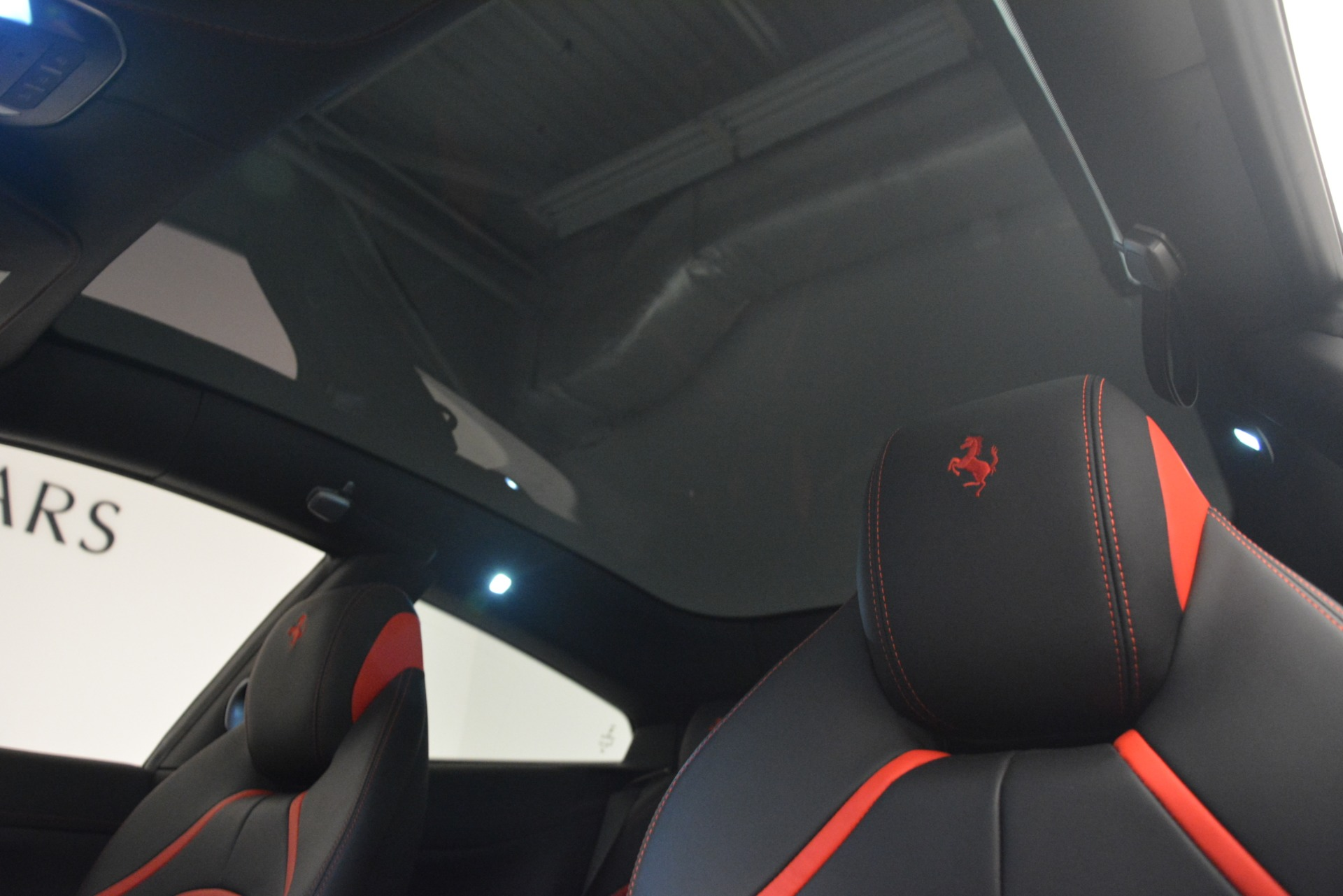 Used 2018 Ferrari GTC4LussoT V8 For Sale In Greenwich, CT 3031_p22