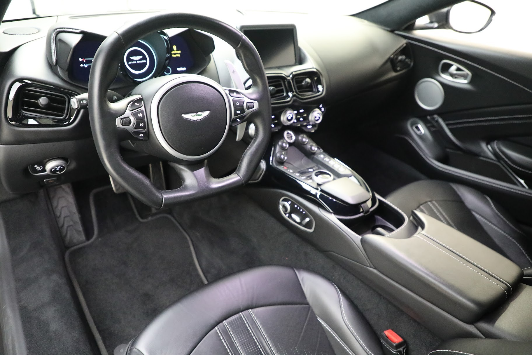 New 2019 Aston Martin Vantage Coupe For Sale In Greenwich, CT 3032_p13