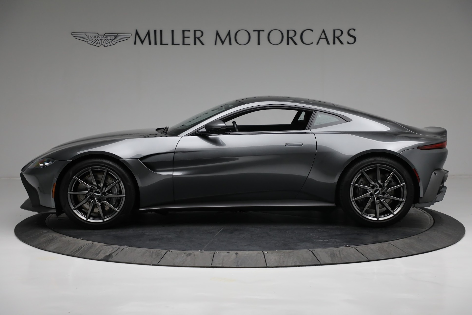 New 2019 Aston Martin Vantage Coupe For Sale In Greenwich, CT 3032_p2