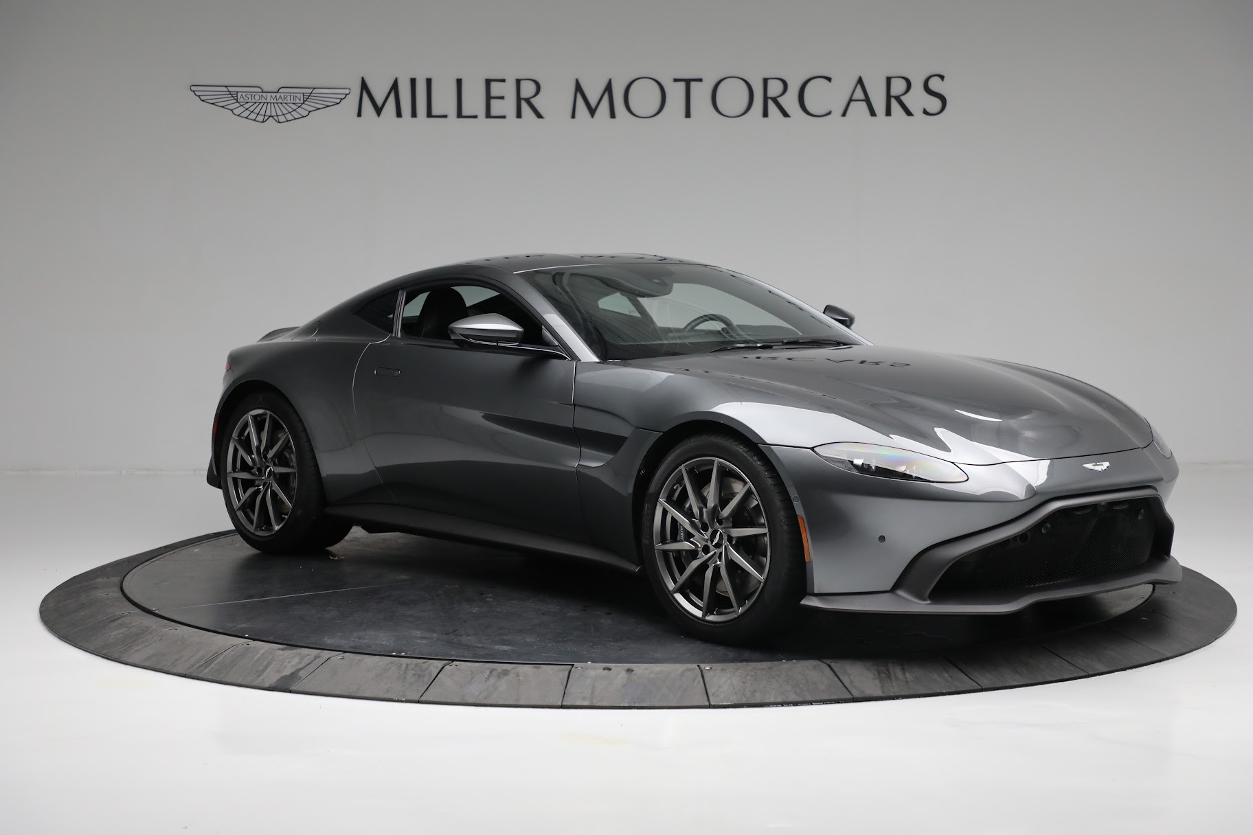 New 2019 Aston Martin Vantage Coupe For Sale In Greenwich, CT 3032_p9