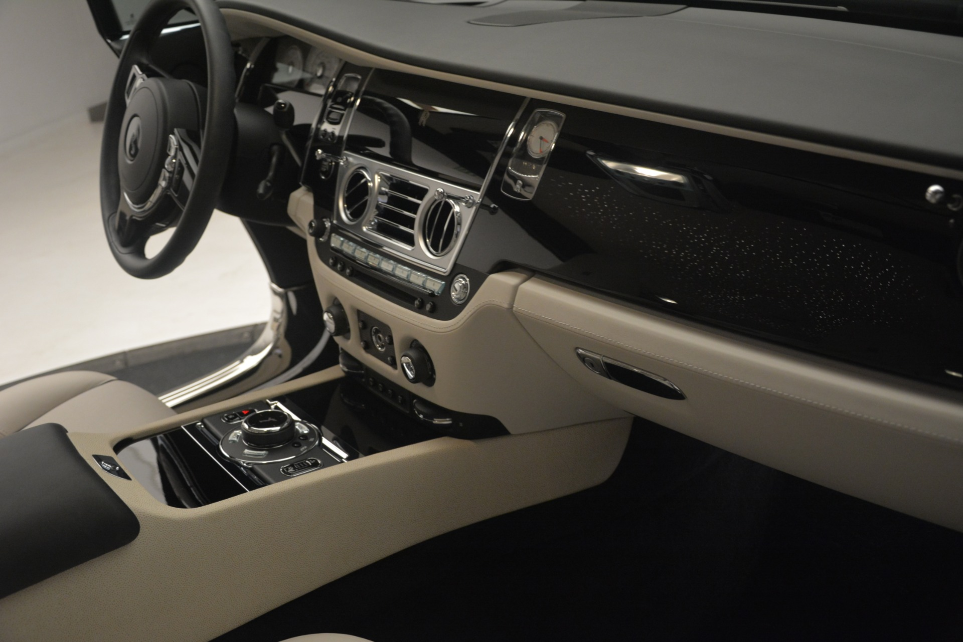 Used 2016 Rolls-Royce Wraith  For Sale In Greenwich, CT 3043_p19