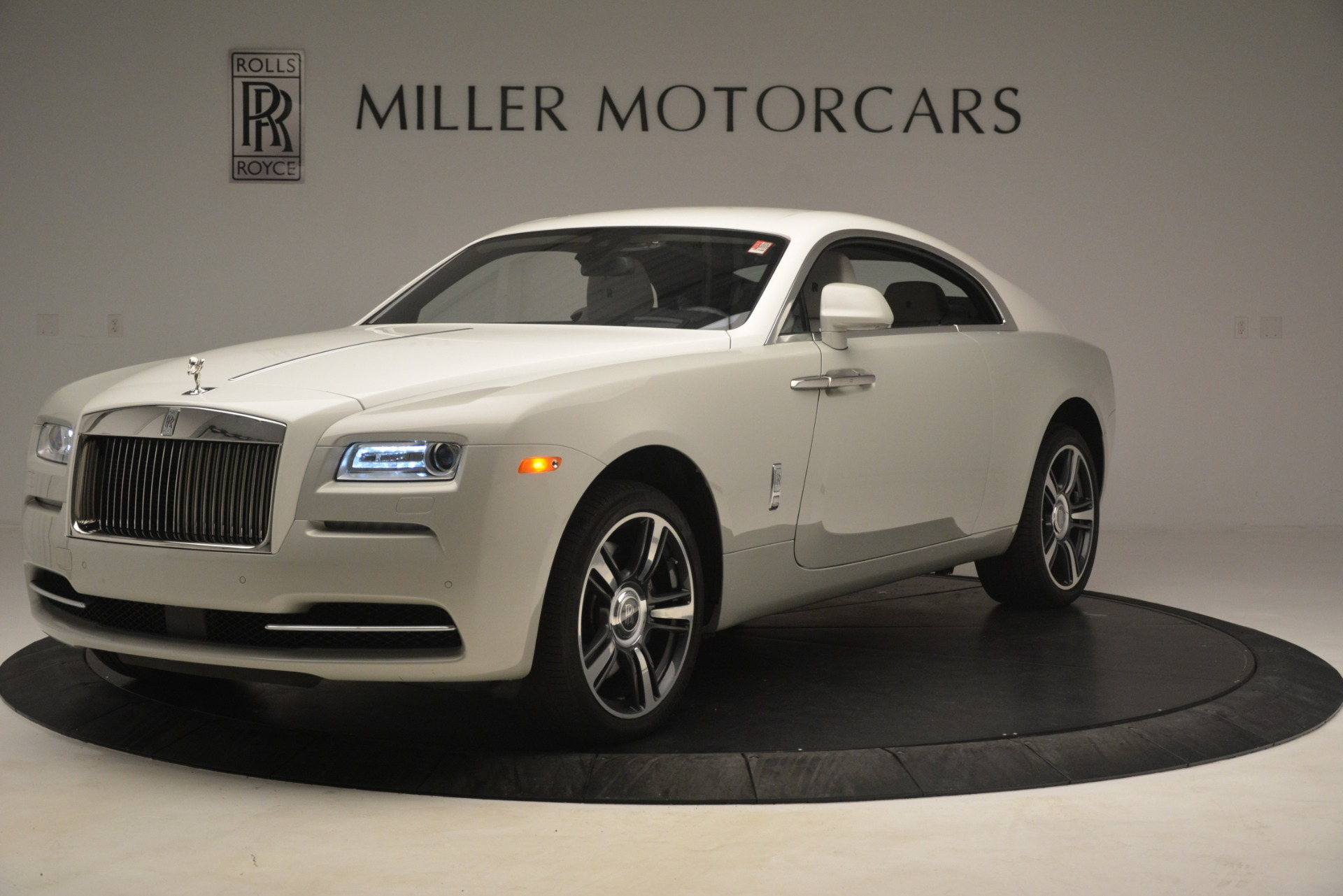 Used 2016 Rolls-Royce Wraith  For Sale In Greenwich, CT 3043_p3