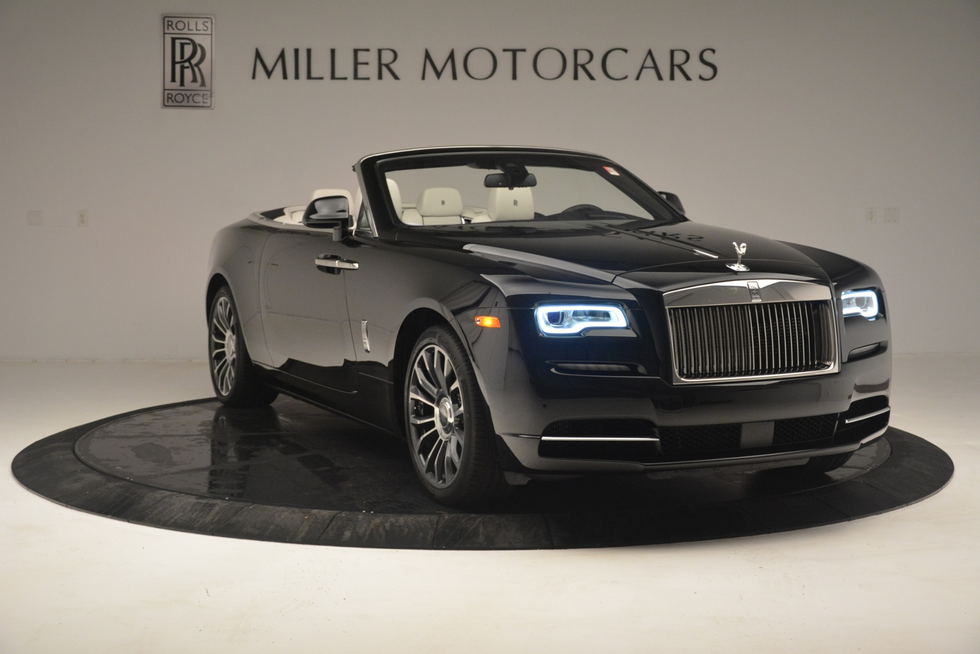 Used 2018 Rolls-Royce Dawn  For Sale In Greenwich, CT 3044_p13