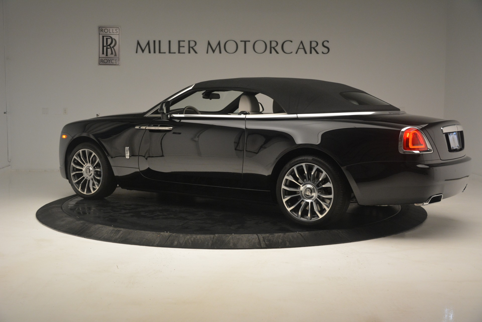 Used 2018 Rolls-Royce Dawn  For Sale In Greenwich, CT 3044_p19