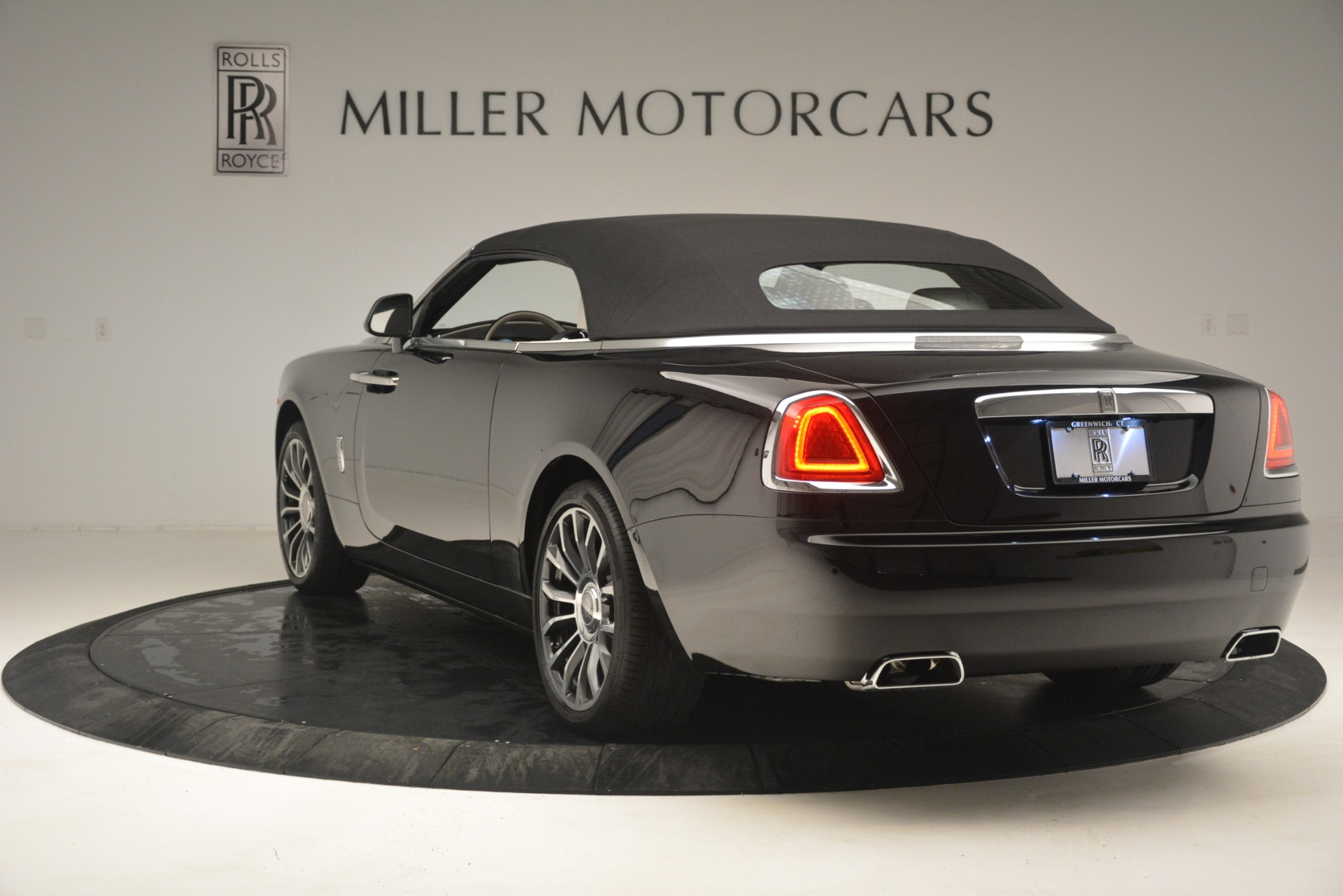 Used 2018 Rolls-Royce Dawn  For Sale In Greenwich, CT 3044_p21