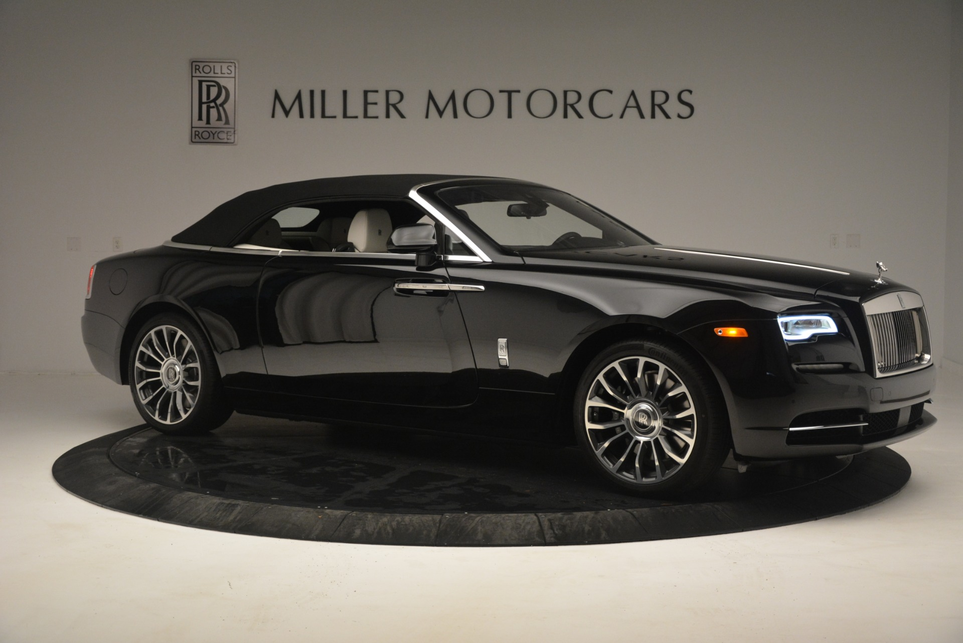 Used 2018 Rolls-Royce Dawn  For Sale In Greenwich, CT 3044_p26