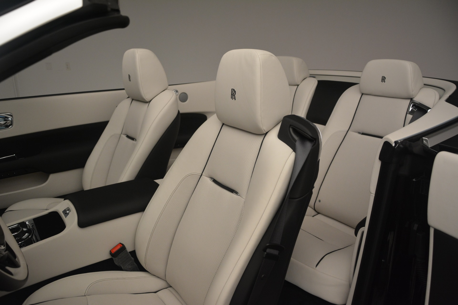 Used 2018 Rolls-Royce Dawn  For Sale In Greenwich, CT 3044_p29