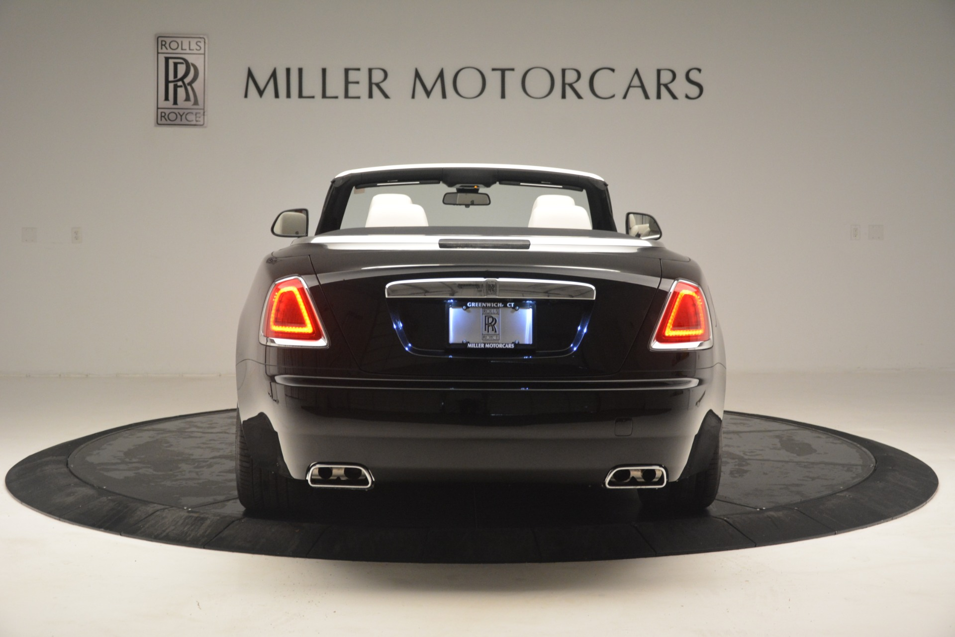 Used 2018 Rolls-Royce Dawn  For Sale In Greenwich, CT 3044_p7