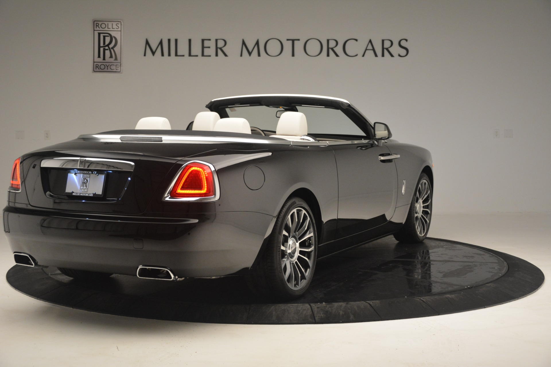 Used 2018 Rolls-Royce Dawn  For Sale In Greenwich, CT 3044_p9