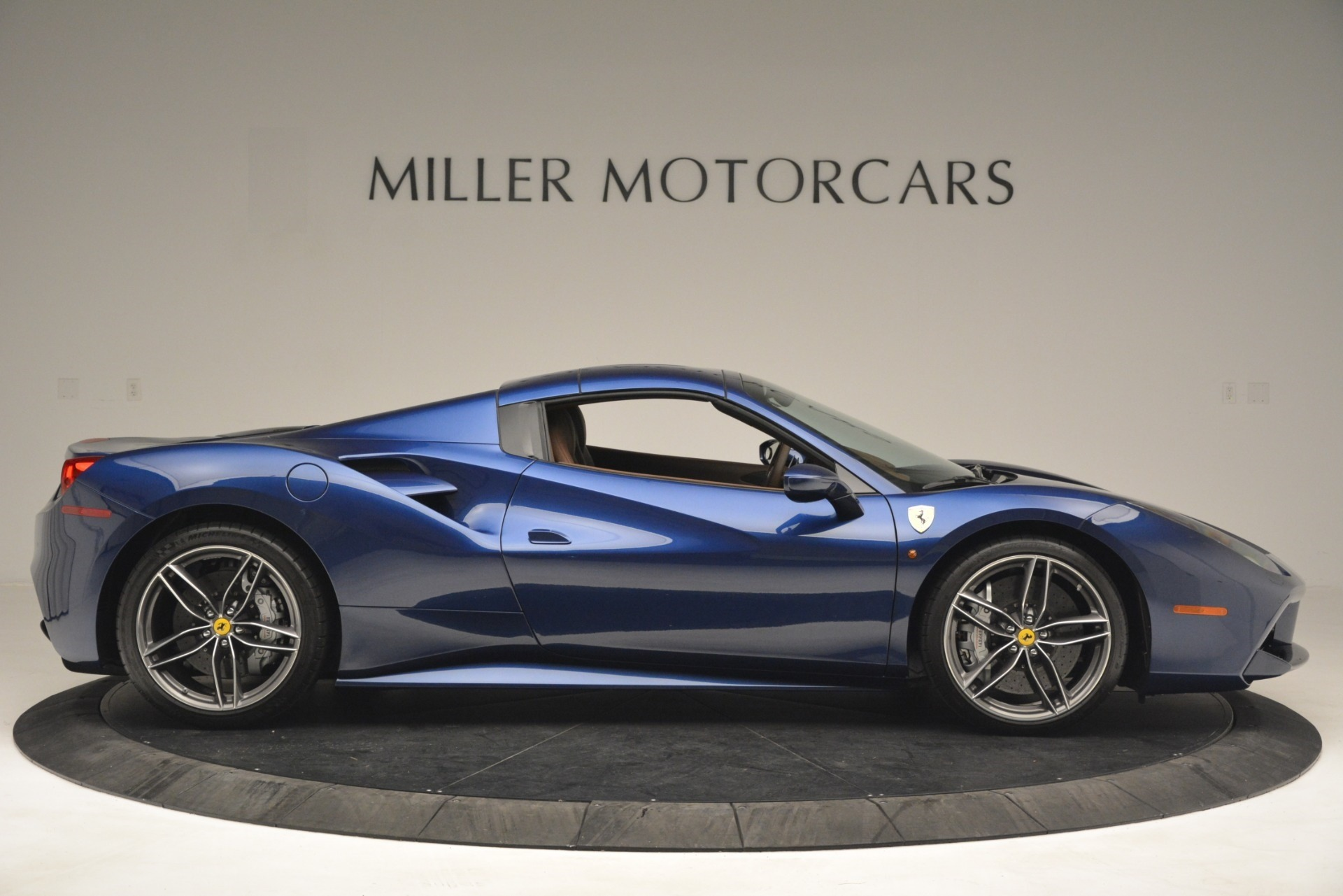 Used 2018 Ferrari 488 Spider  For Sale In Greenwich, CT 3045_p21