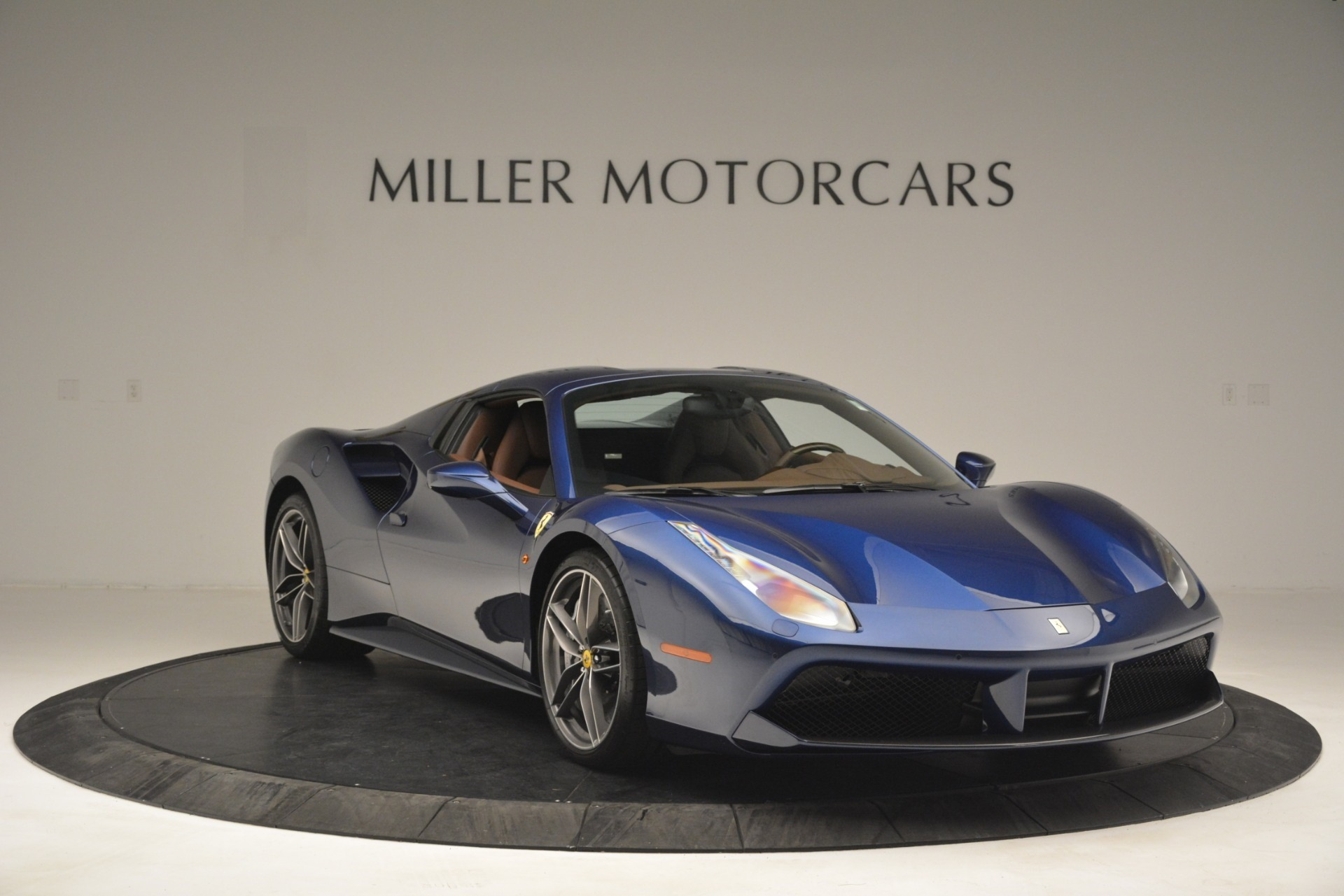 Used 2018 Ferrari 488 Spider  For Sale In Greenwich, CT 3045_p23